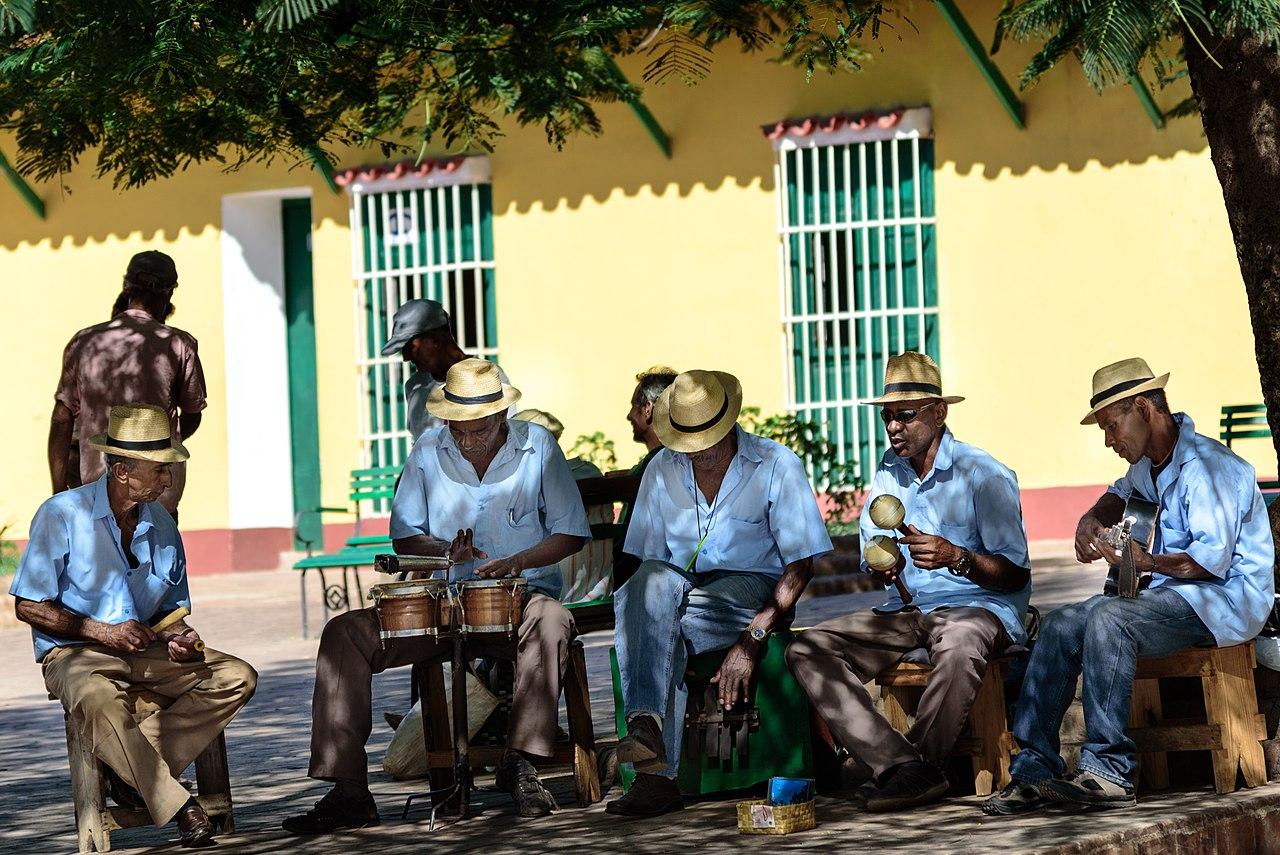 Unos músicos cubanos