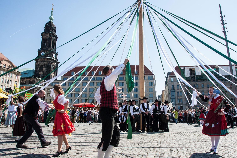 baile tradicional Baviera Alemania