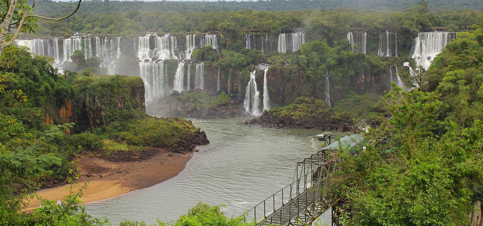 cataratas iguazú en la Triple Frontera