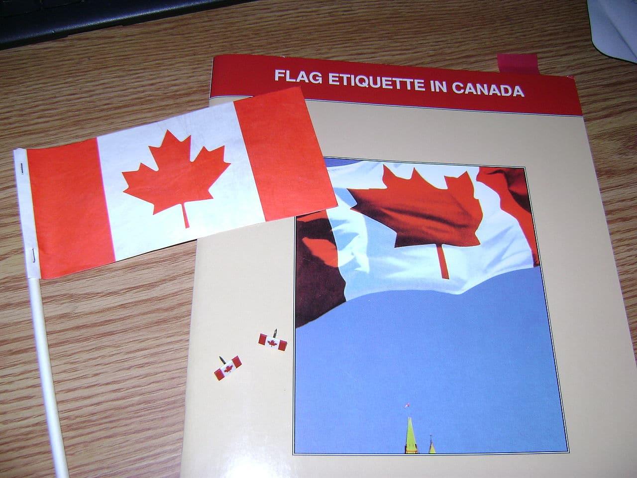 Pequeña bandera de Canadá